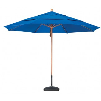 Wooden market umbrella with fiberglass ribs