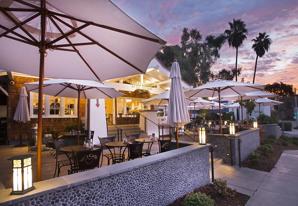 Contract Furniture Company Provides Urth Caffe With