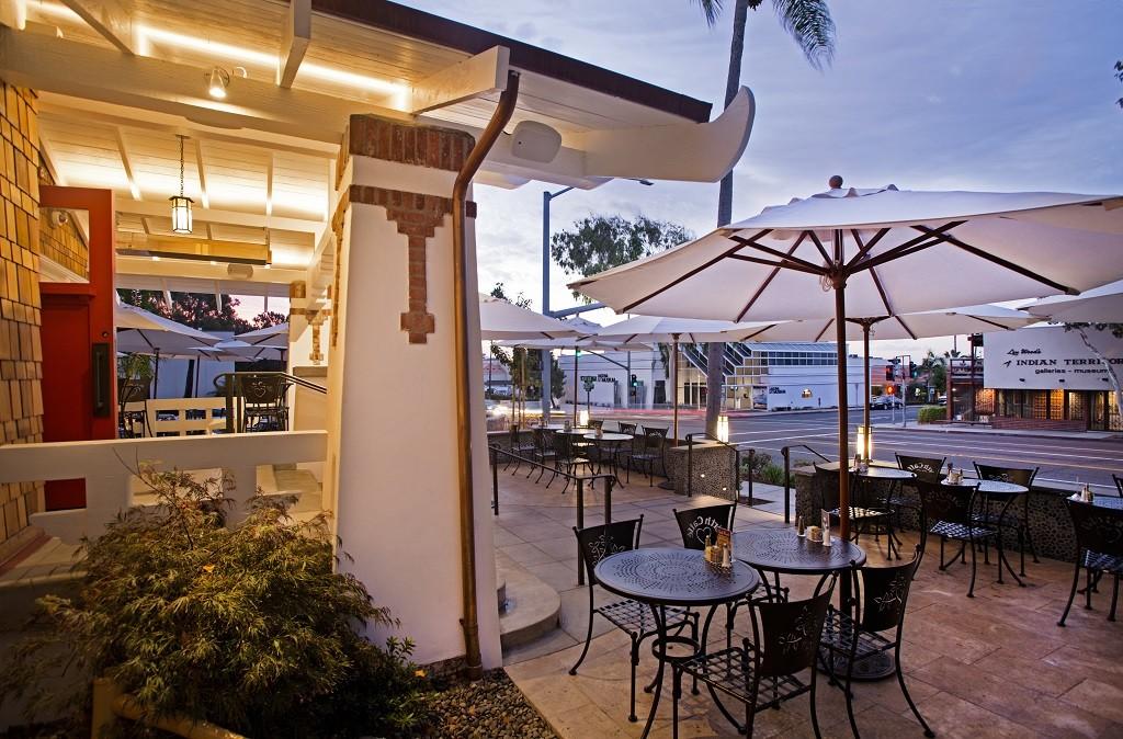 Urth Caffe Commercial Market Umbrellas