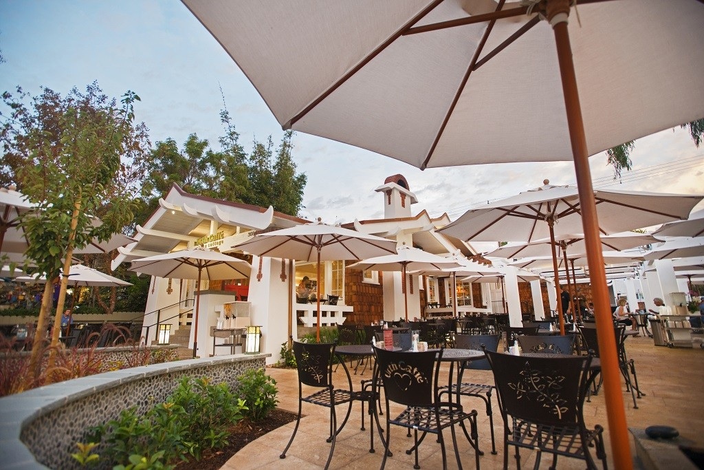 Urth Caffe Laguna Beach - Commercial Market Umbrellas