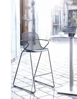 Grosfillex Ramatuelle 73 Hospitality Bar Stool - Installation Photo 2
