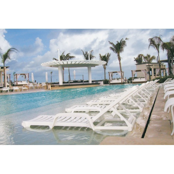 Commercial Hospitality Poolside Furniture Chaise Lounges and Pool Furniture