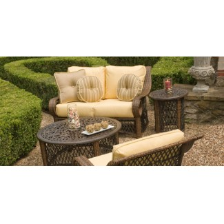 Outdoor Wicker Lounge Furniture