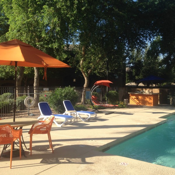 Cast Aluminum Tables and Commercial Pool Furniture